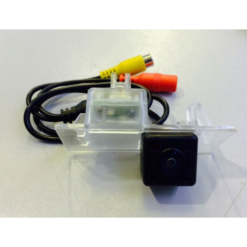 Камера заднего вида CarEye CCD для Passat New, Golf 7, Jetta, Octavia A7, Yeti 2014+-5762108